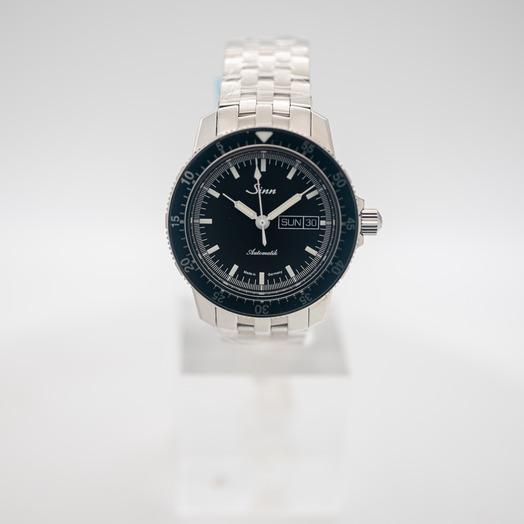 ジン Pilot Watch 104 St Sa I Stainless Steel Fine Link Black Dial Men's Watch 104.010-Solid-FLSS
